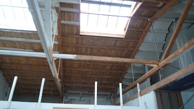 White paint removal off warehouse wood Lid / Rafters / Truss's